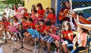 Escuela-de-Folclore-feria-2014